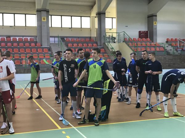 2019_12_unihokej_03
